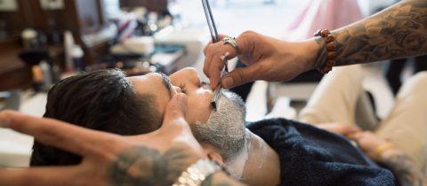 Barbier scheert man