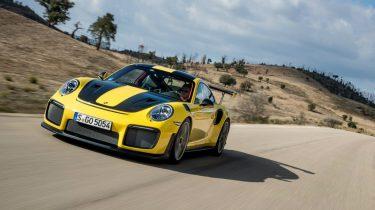 Porsche met piepende remmen