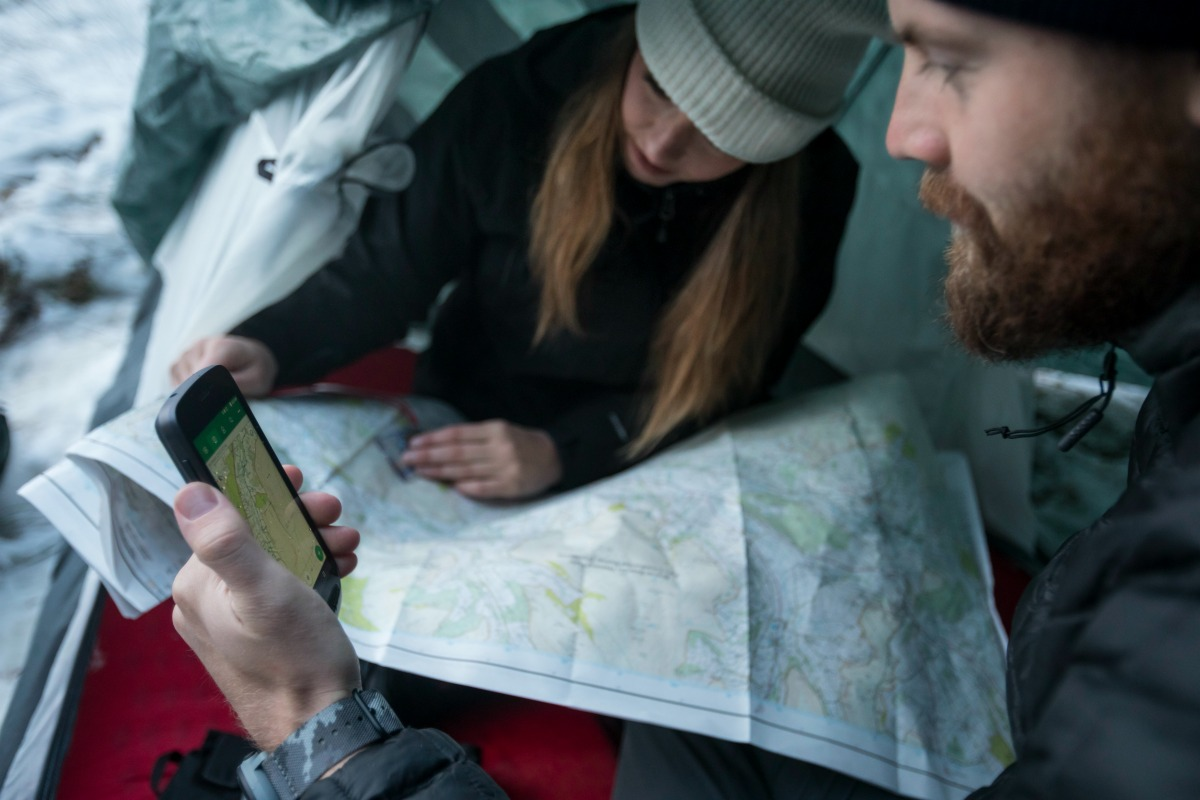 land rover explore, outdoor smartphone
