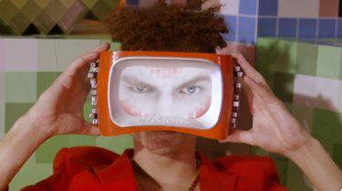 785c282ec5e46b Deze VR-bril maakt virtual reality pas écht interessant - Manners ...