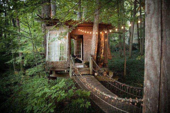 airbnb, campers, boomhutten, hammocks