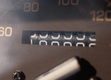 Kilometerstand tweedehands auto