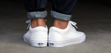 10 witte zomersneakers