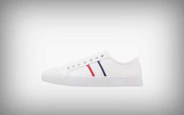 Witte zomer sneaker