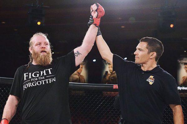 UFC-vechter Justin Wren wordt filantroop