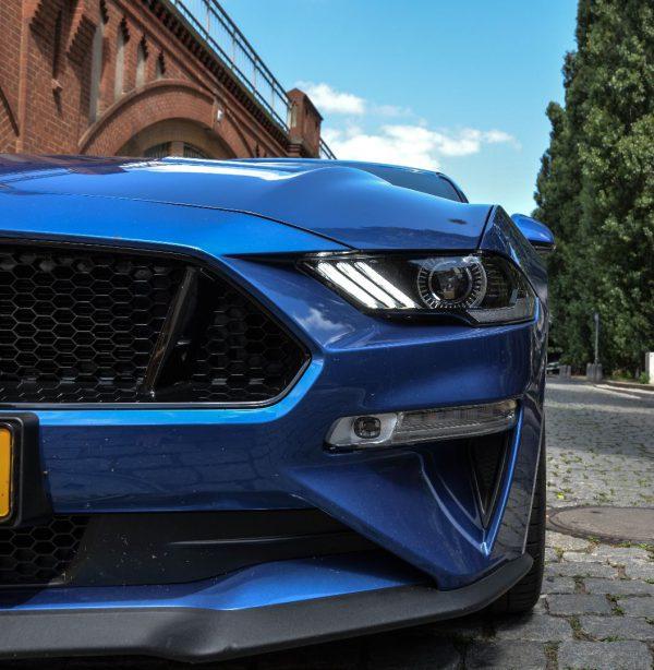 De nieuwe blue lightning ford mustang 2018