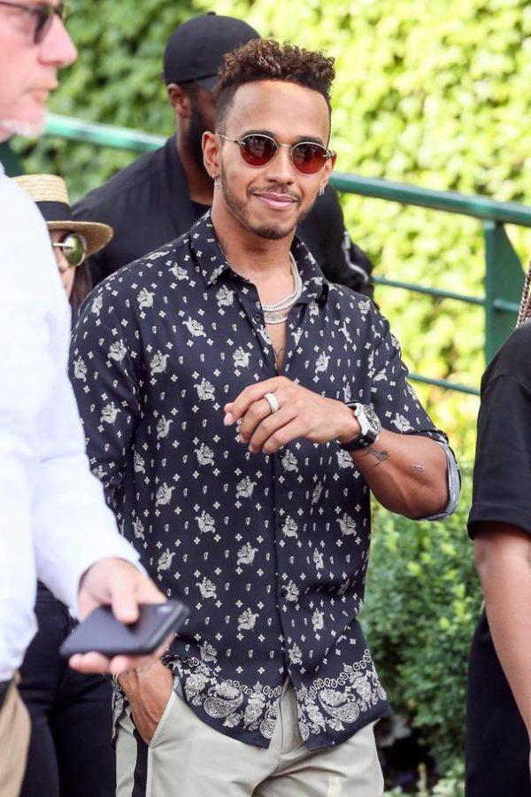Lewis Hamilton Wimbledon goed gekleed