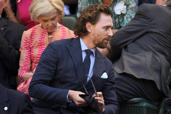 Tom Hiddelston Wimbledon goed gekleed