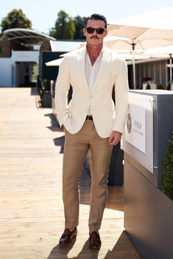 Luke Evans Wimbledon goed gekleed