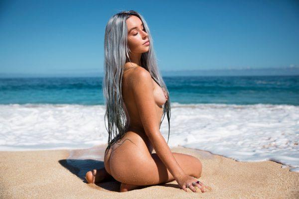 Instagram model Kelly Lauren voor C-heads