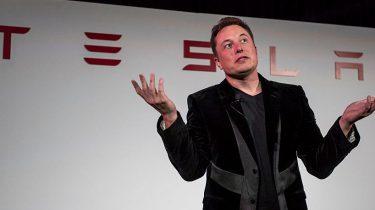 Elon Musk raakt titels bij Tesla kwijt