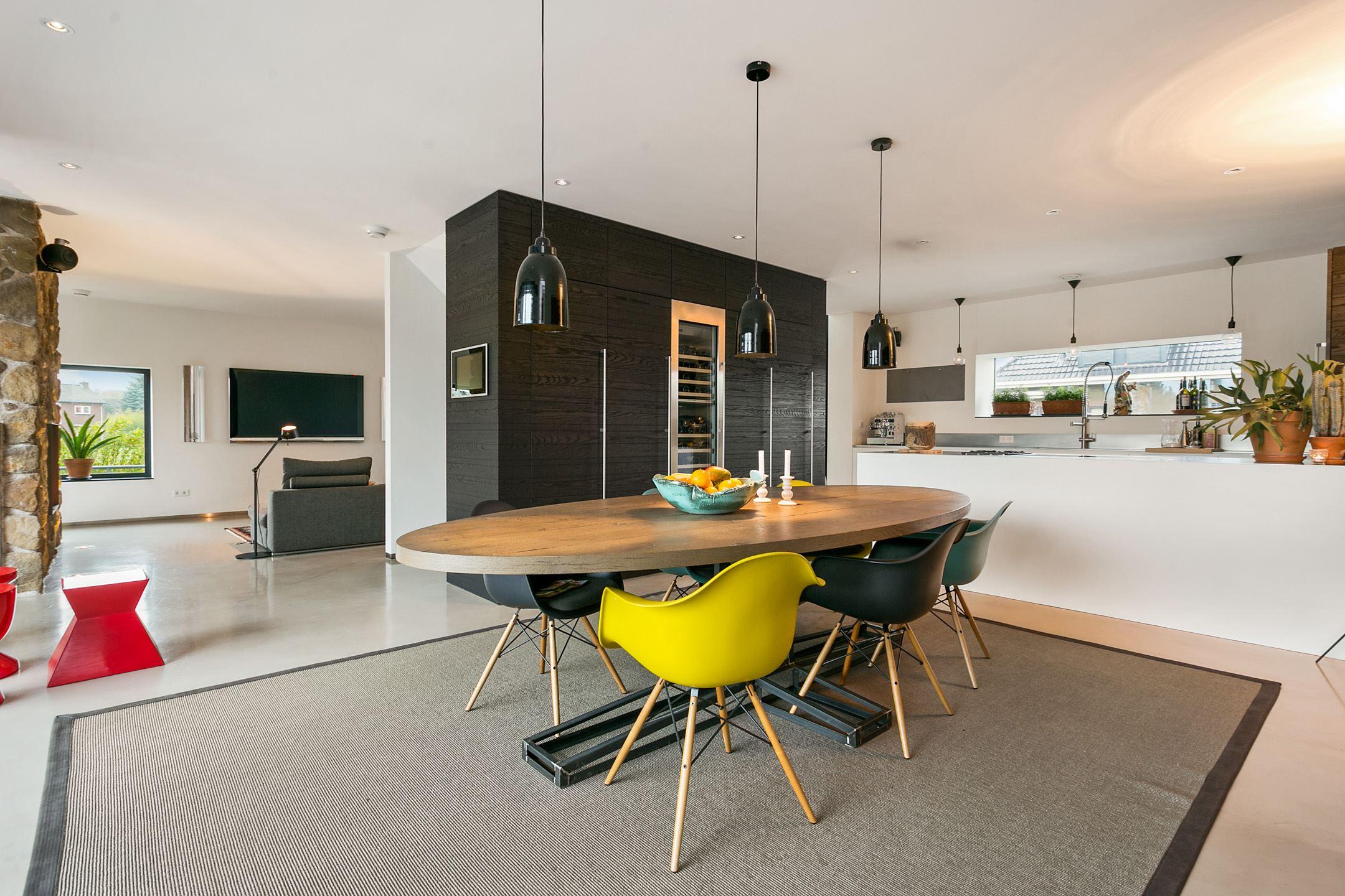 Landelijk Wonen Funda : Manners makelaar #64: de dikste woningen op funda