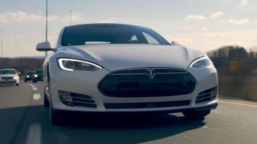 Tesla komt met nieuwe autopilot functies