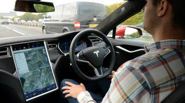 Tesla autopiloot slapen
