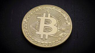 Ondanks koersdaling blijven Nederlanders vertrouwen in bitcoin