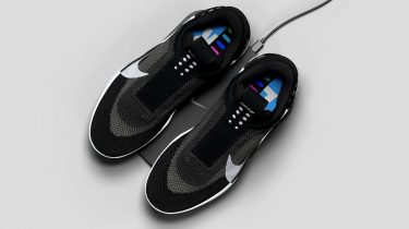 nike adapt bb, zelfveterende, sneakers, hightech, gadgets, app
