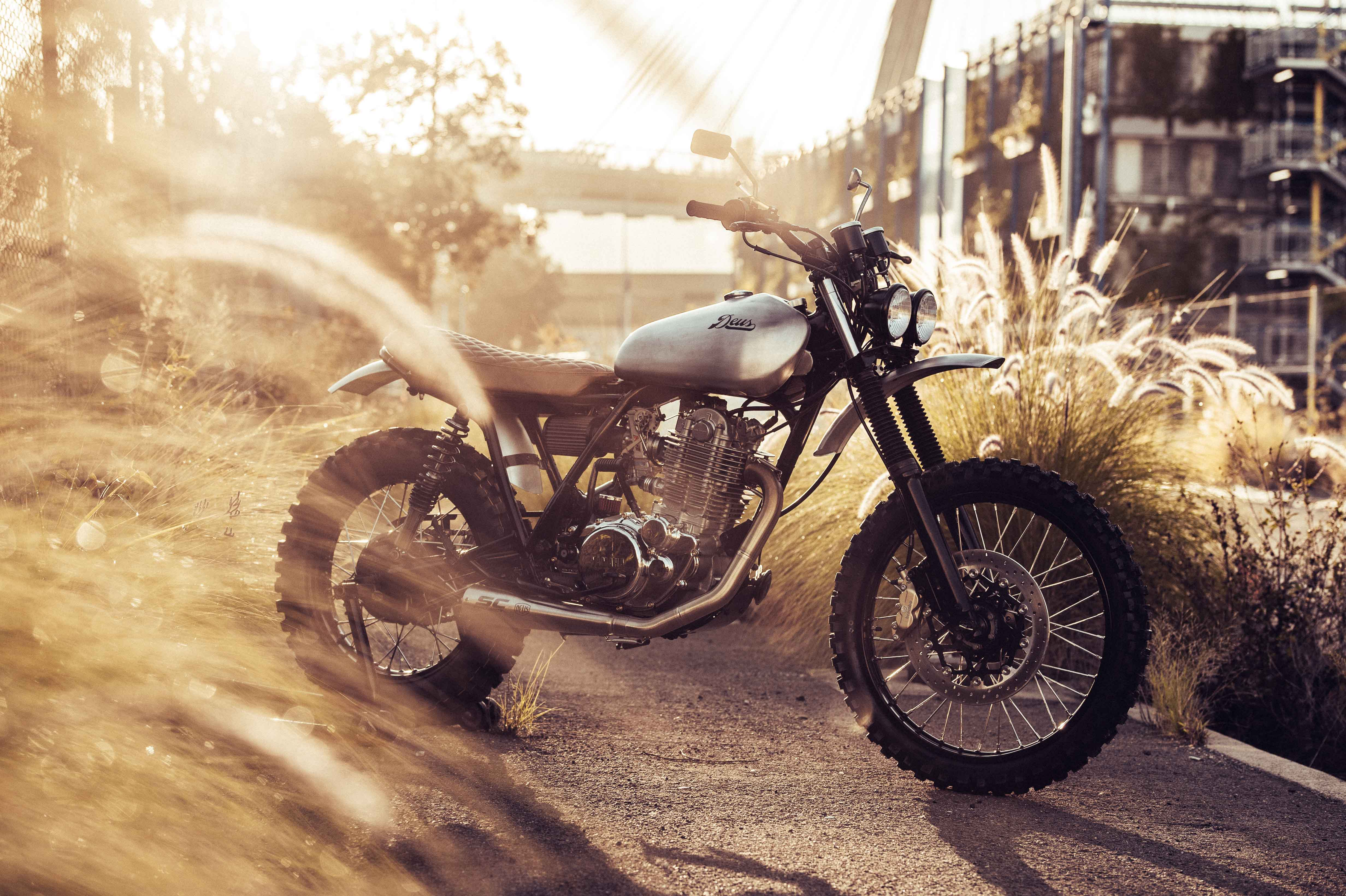 Deus SR500 custom bike