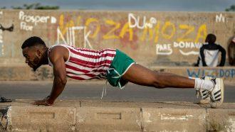 borstspieren, borst, oefeningen, workout, trainen, thuis