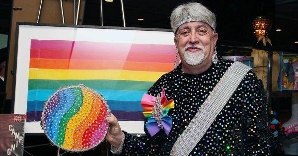 regenboogvlag-gay-pride-2018-amsterdam-emoji-kleuren-gilbert-baker-1