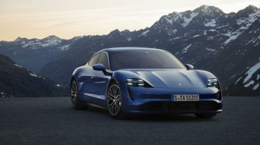 De nieuwe elektrische Porsche Taycan is onthuld