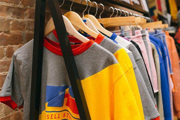 Russel Athletic pop-up store, new york, terug, jaren 90