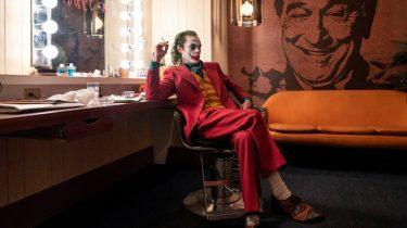 Shop de stijl van Joker Joaquin Phoenix als Joker_ pak, vestje, shirt en schoenen (2)