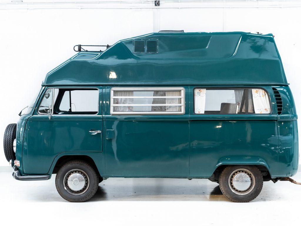 Tweedehands Volkswagen T2a camper occasion