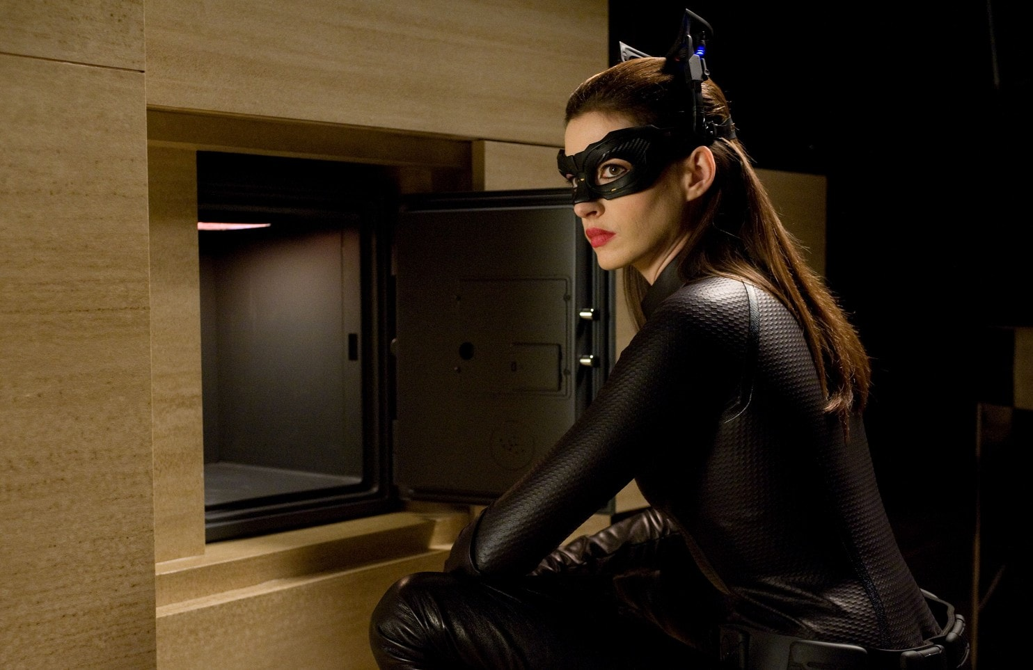 catwoman, The Dark Knight Rises, anne hathaway, sexy, zoe kravitz, 2