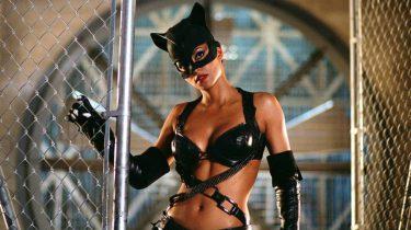 halle berry, catwoman, seyx, zoe kravitz