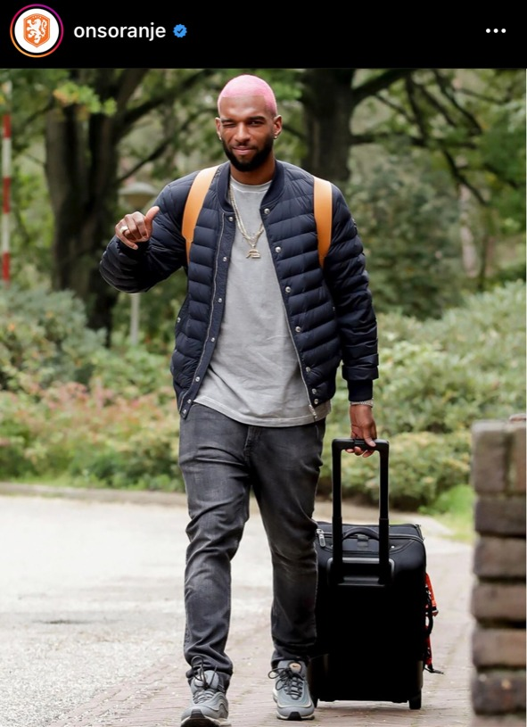ryan babel , causal kledingstijl, oranje-internationals, nederlands elftalDenzel Dumfries , causal kledingstijl, oranje-internationals, nederlands elftal