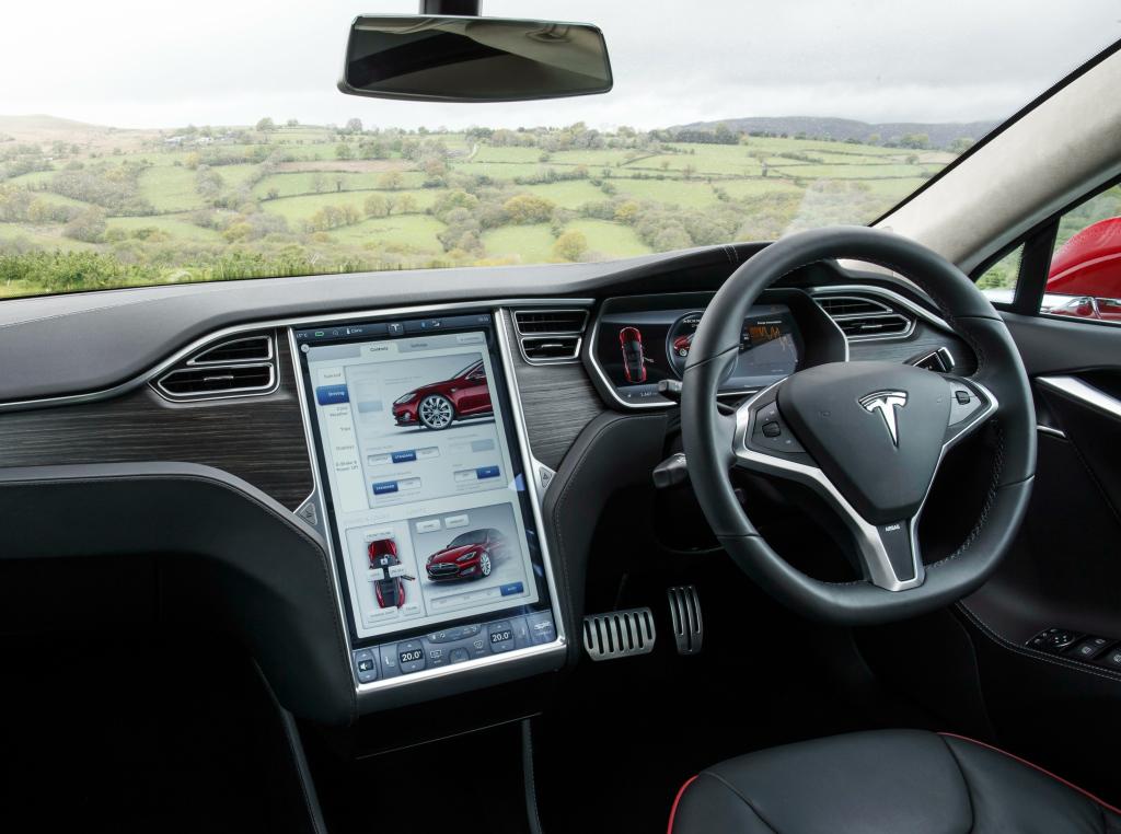 Tesla Model S interieur elektrische auto