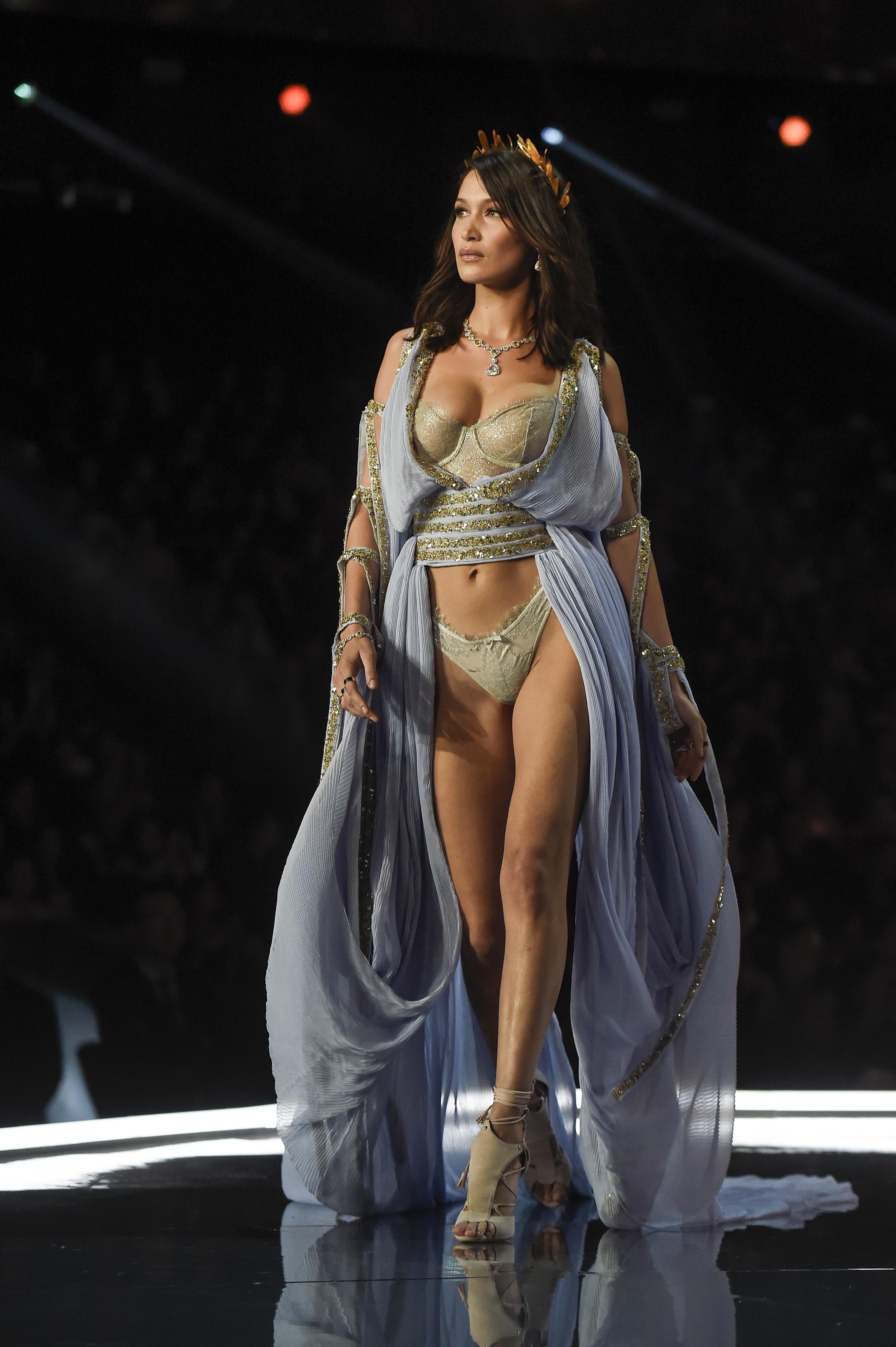 victoria's Secret fashion show, bella hadid, rihanna, savage x fenty, lingerie