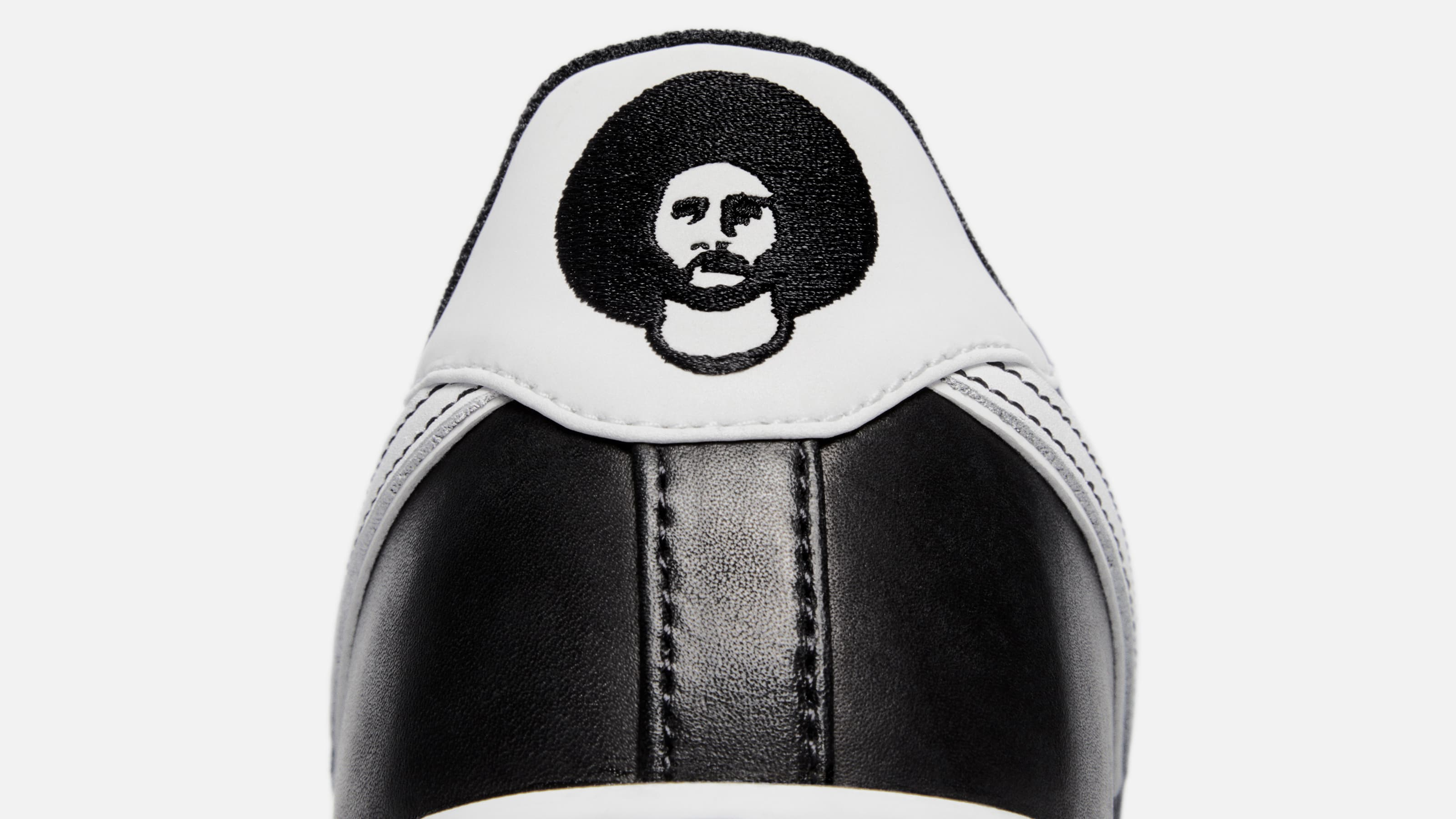 nike air force 1, Colin Kaepernick , sneakers, uitverkocht, 3