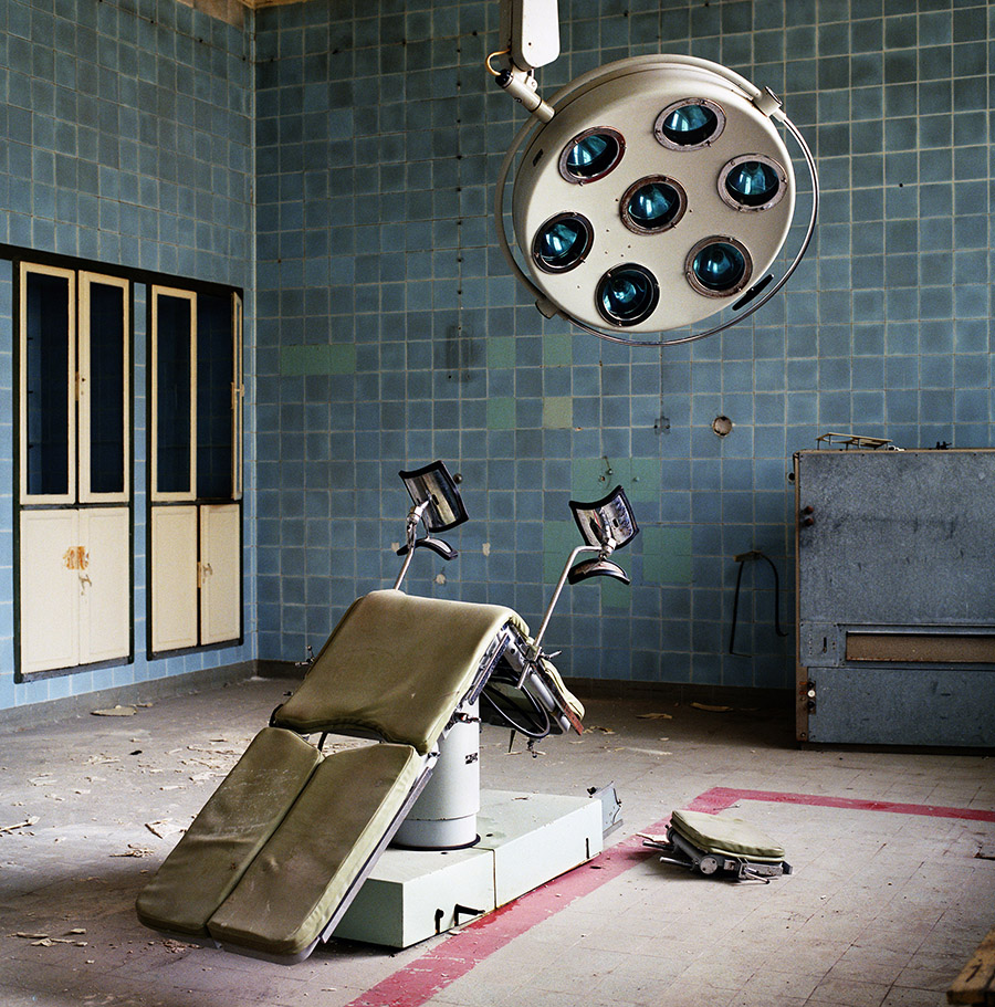 martin roemers, relics of the cold war, museum de fundatie, koude oorlog, fotograaf, expositie, boek