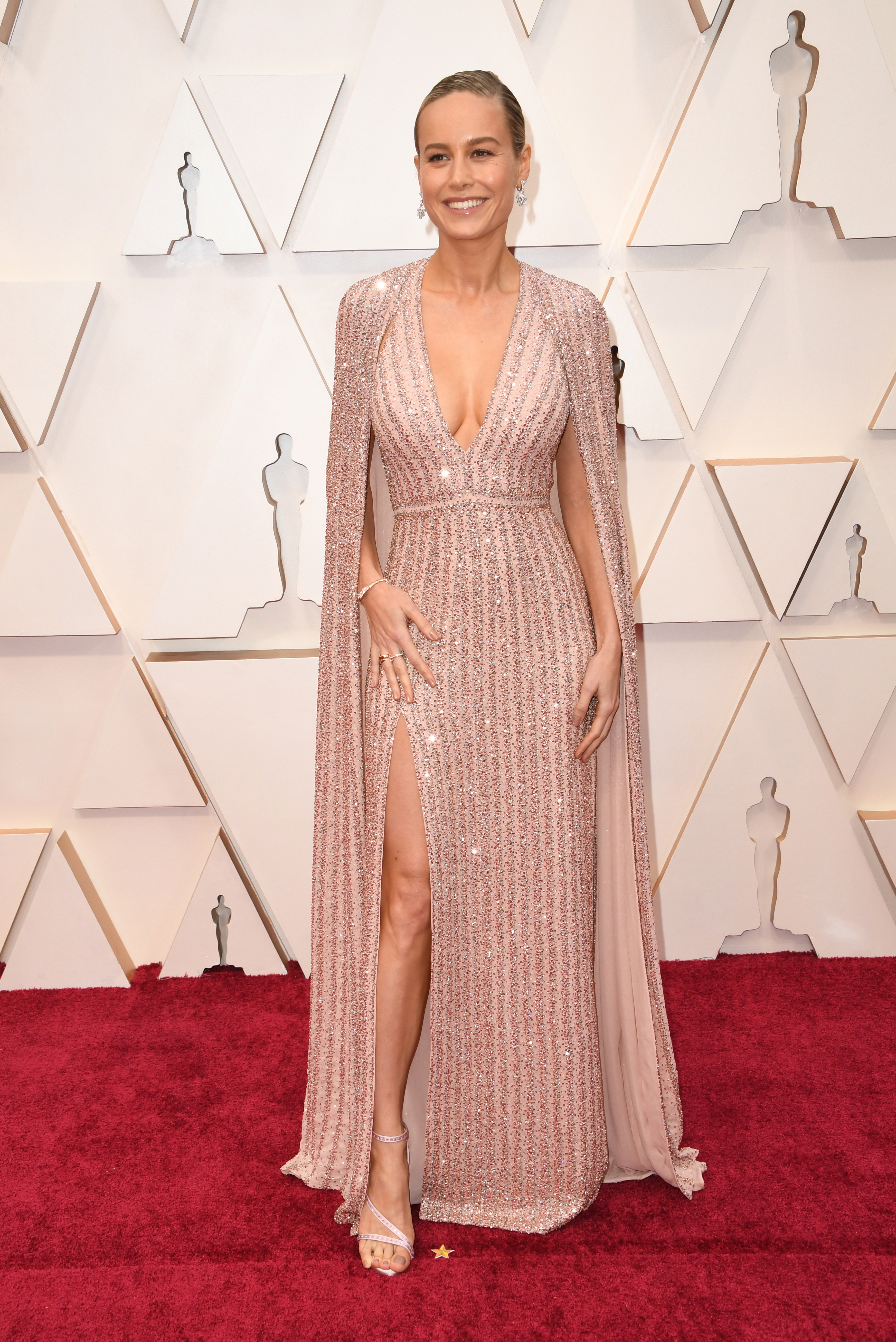 brie larson, oscars, meest sexy rode loper outfits, looks, oscars 2020