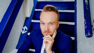 Arjen Lubach social distancing Zondag met Lubach