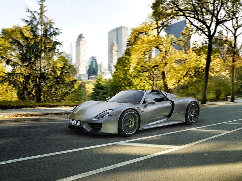 Porsche 918 Spyder Tesla Model S dragrace 0-100 km/u