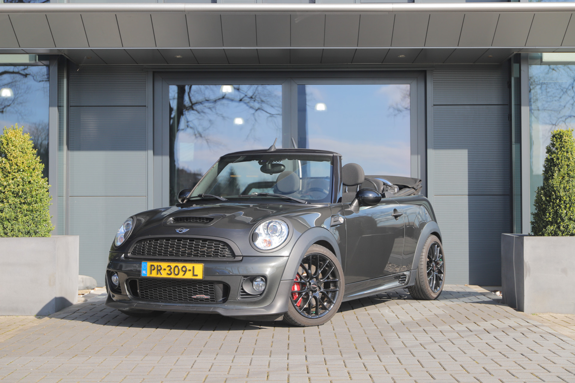 Tweedehands MINI Cabrio JCW 2014 occasion