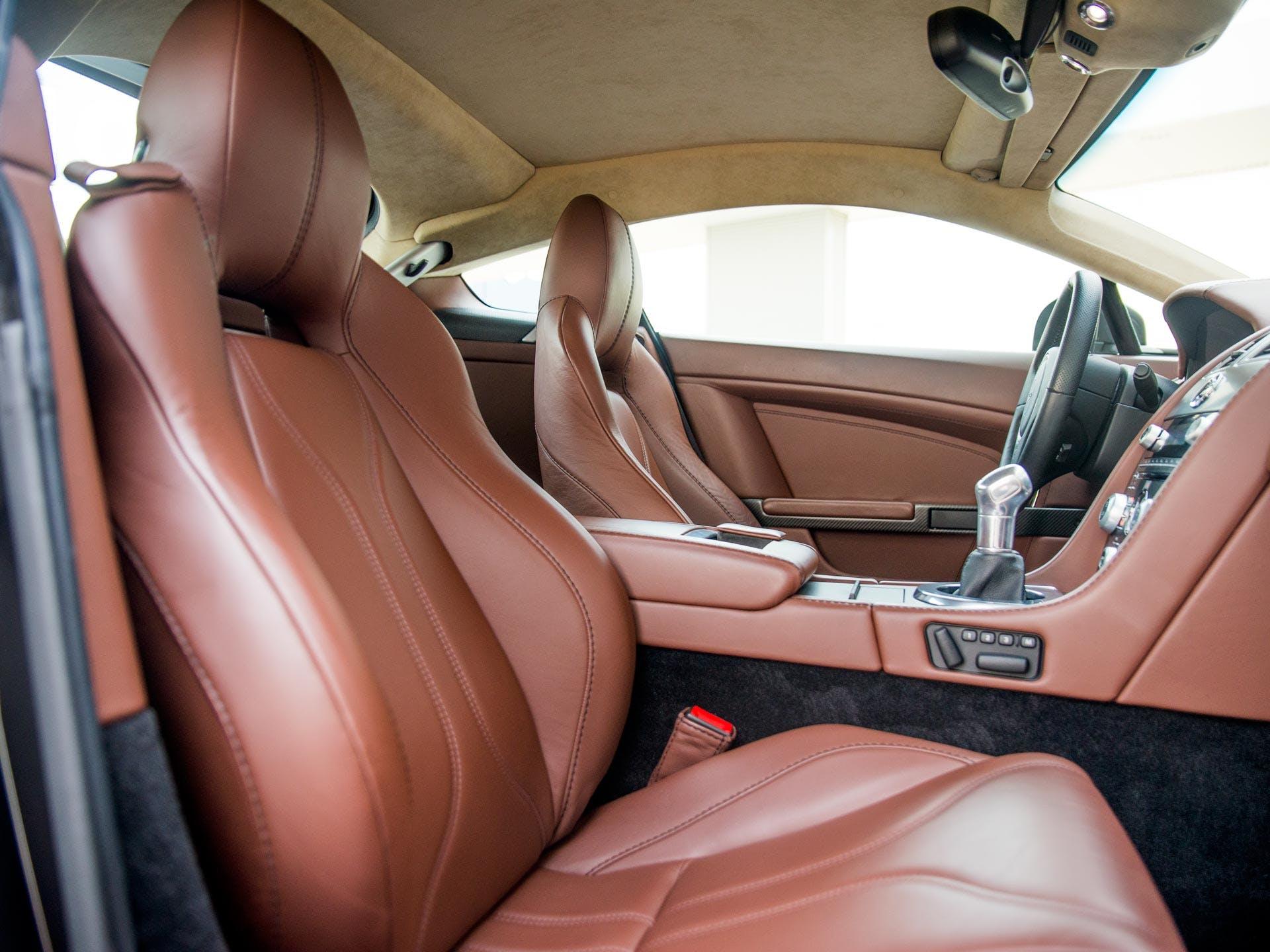 Tweedehands Aston Martin V12 Vantage occasion