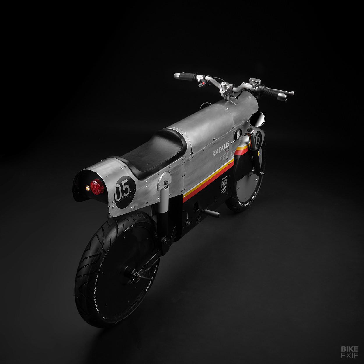 elektrische scooter, katalis ev 500, vliegtuig, woII