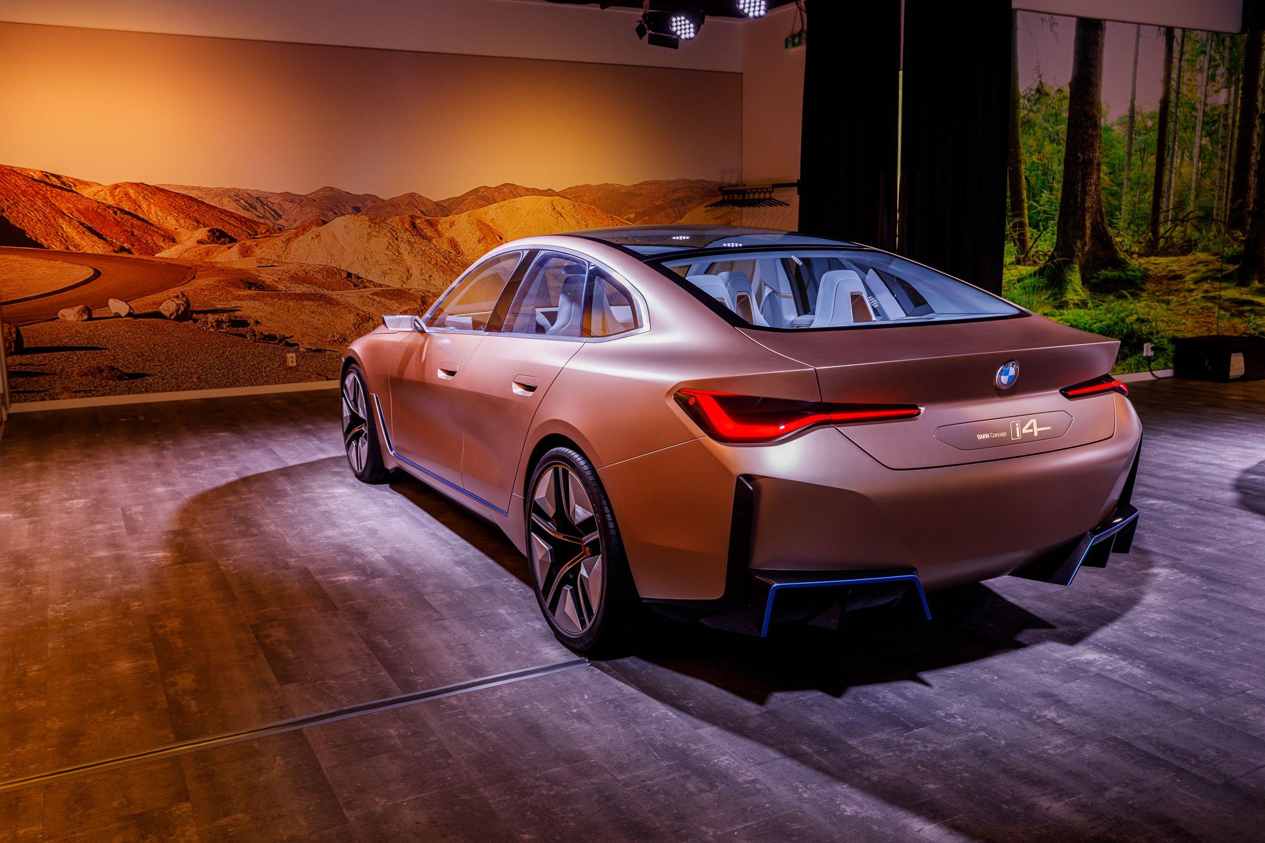 BMW concept elektrische auto's iX3 i4