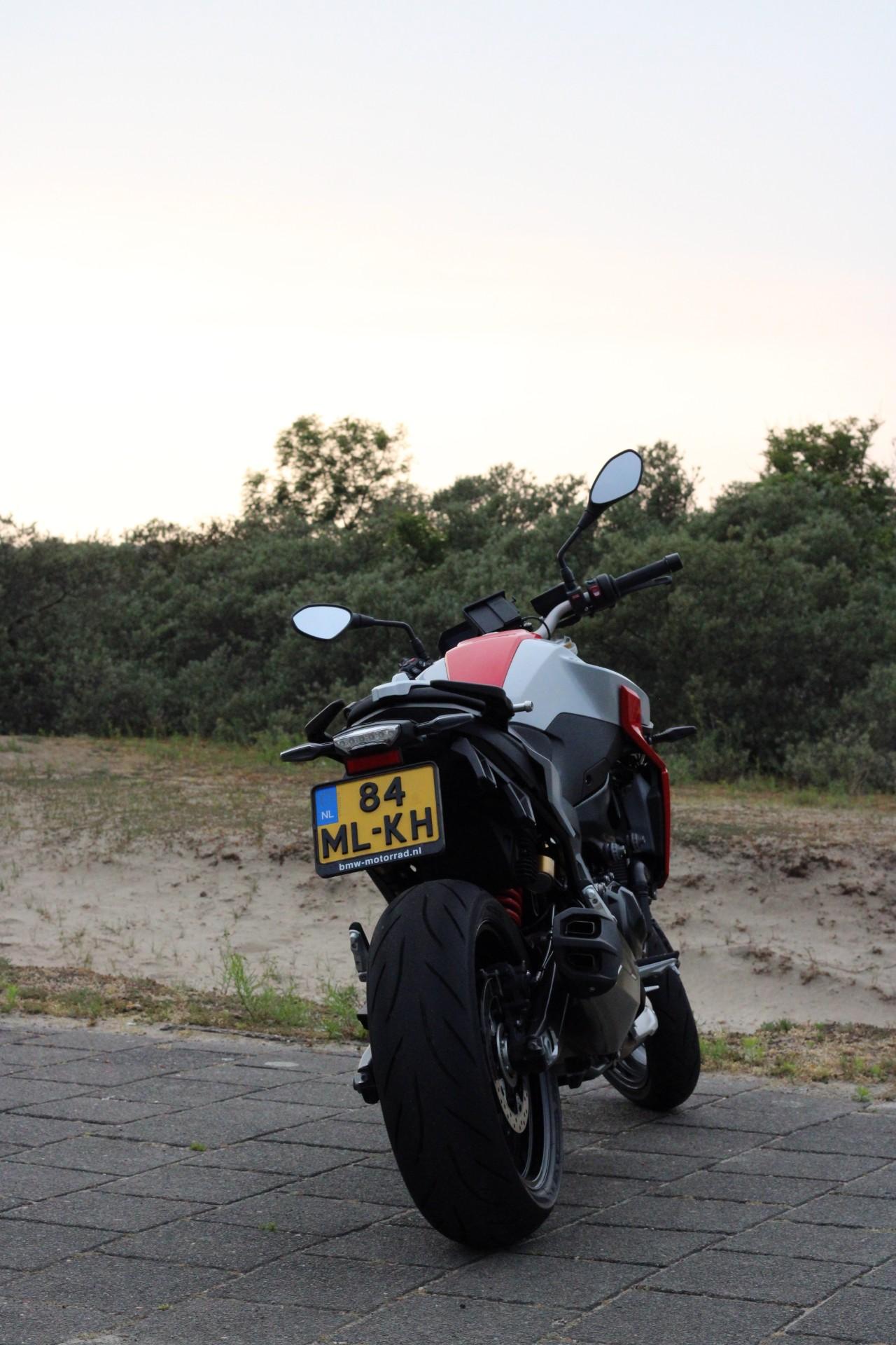 BMW F900R Naked Bike A2