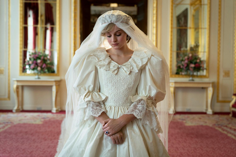 Emma Corrin, prinses diana, the crown, seizoen 4, trailer