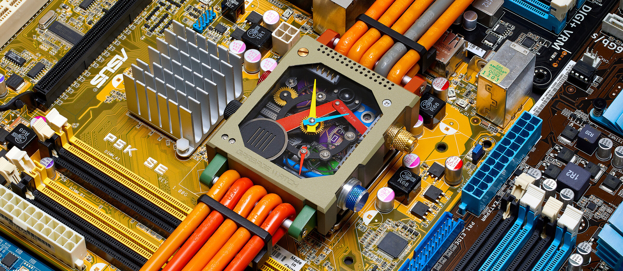 garbage watch, vollebak, horloge, tech-afval, e-waste